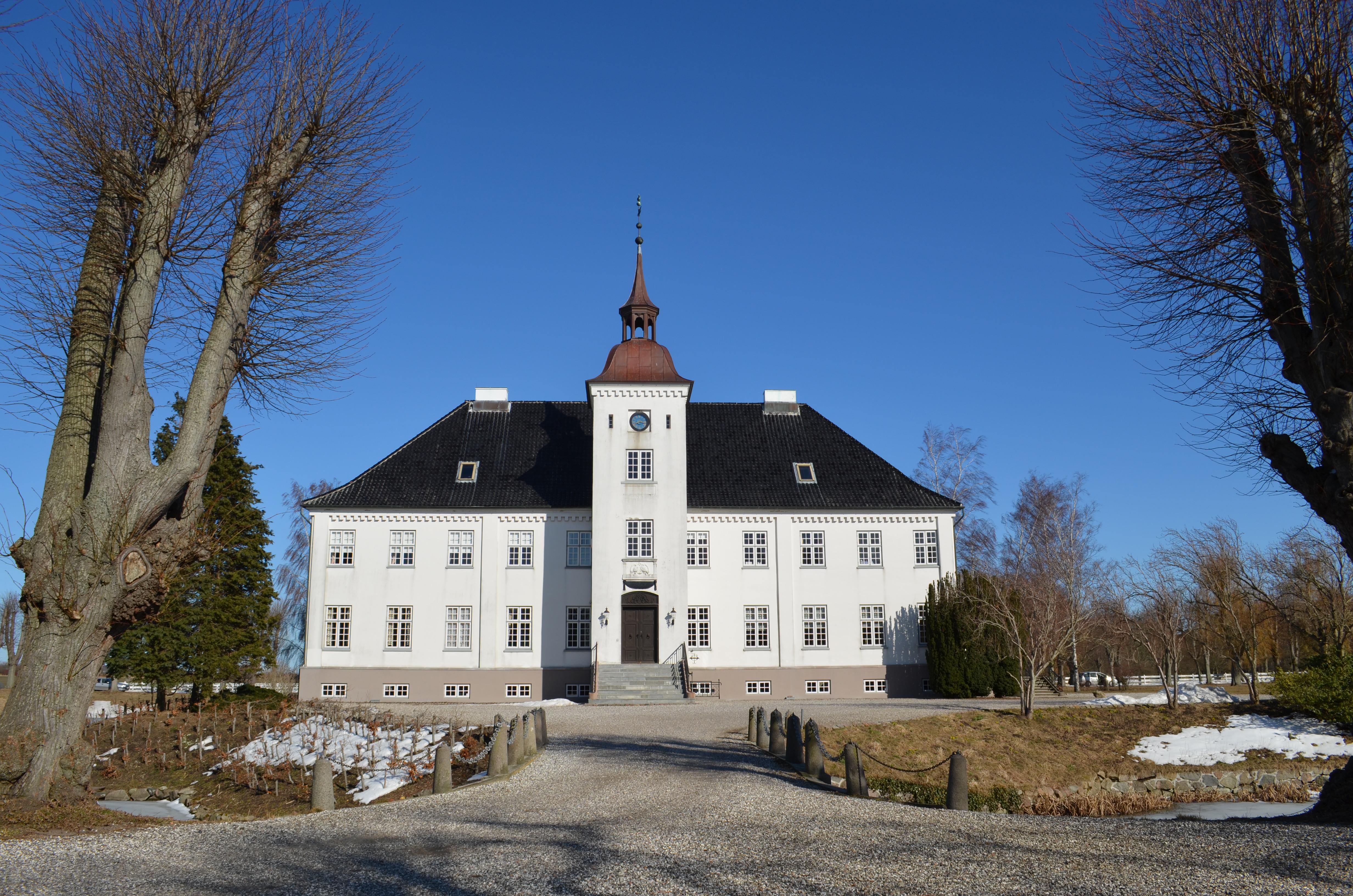 Bandholm hvem hotel ejer Bandholm Hotel